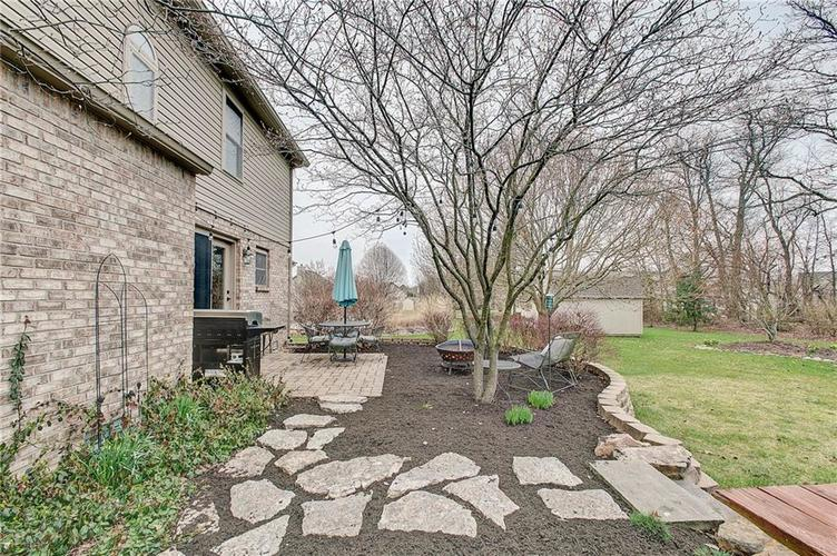 8015 Meadow Bend Drive Indianapolis, IN 46259   MLS 21700472   photo 36
