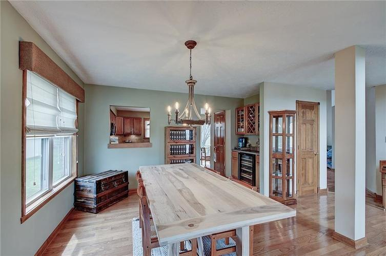 8015 Meadow Bend Drive Indianapolis, IN 46259   MLS 21700472   photo 8