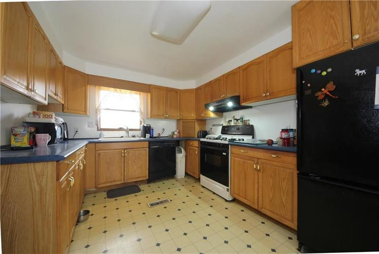 5131 W Edwards Avenue Indianapolis IN 46221 | MLS 21700575 | photo 10