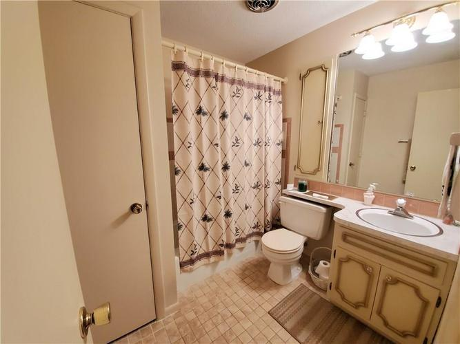 8320 Skyway Drive Indianapolis, IN 46219 | MLS 21700667 | photo 15