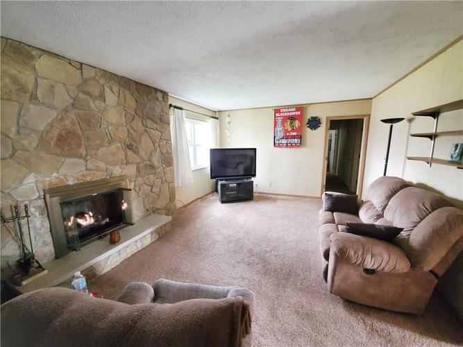 8320 Skyway Drive Indianapolis, IN 46219 | MLS 21700667 | photo 5