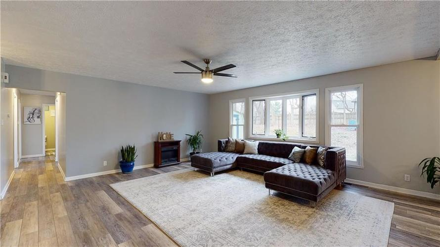 1617 Pele Place Indianapolis, IN 46214 | MLS 21700674 | photo 5
