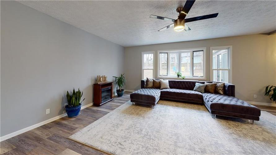 1617 Pele Place Indianapolis, IN 46214 | MLS 21700674 | photo 6