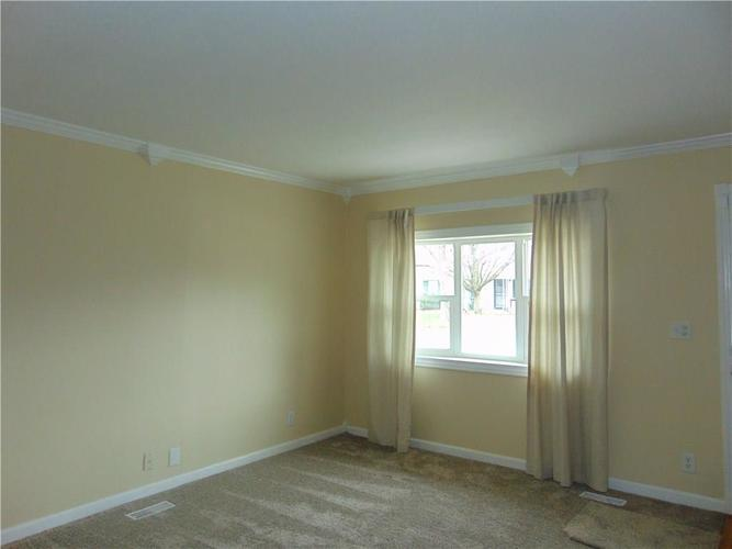 2635 N Routiers Avenue Indianapolis, IN 46219 | MLS 21700707 | photo 2