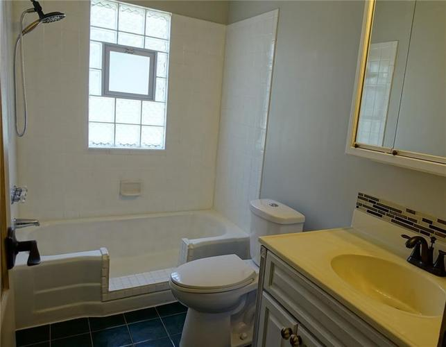 5115 E NORTH Street Indianapolis, IN 46219 | MLS 21700821 | photo 12