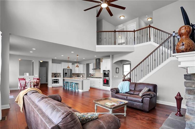 3844 Conifer Drive Zionsville, IN 46077 | MLS 21700822 | photo 10