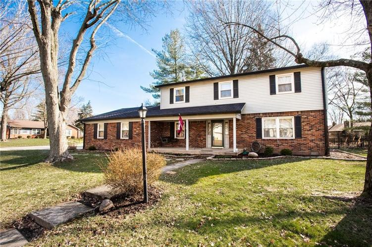 819 Balroyal Court Indianapolis IN 46234 | MLS 21700854 | photo 1