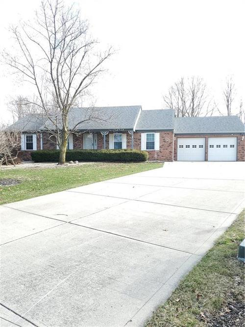 6709 W COLONIAL Drive Greenfield, IN 46140 | MLS 21700919 | photo 1