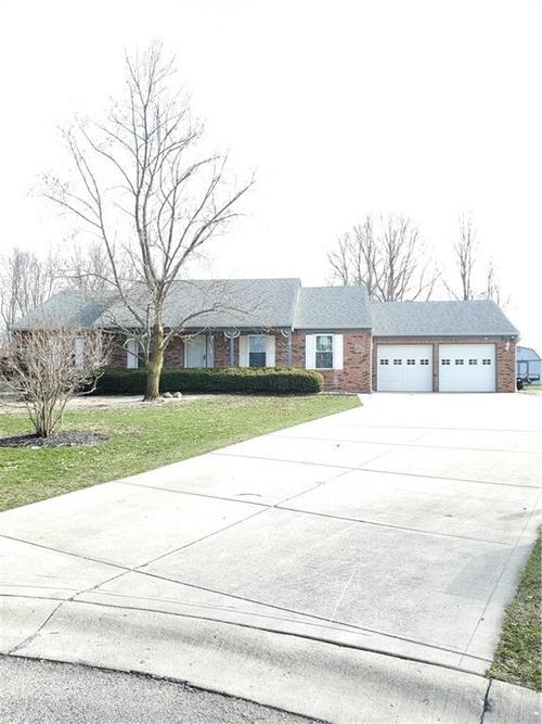 6709 W COLONIAL Drive Greenfield, IN 46140 | MLS 21700919 | photo 2