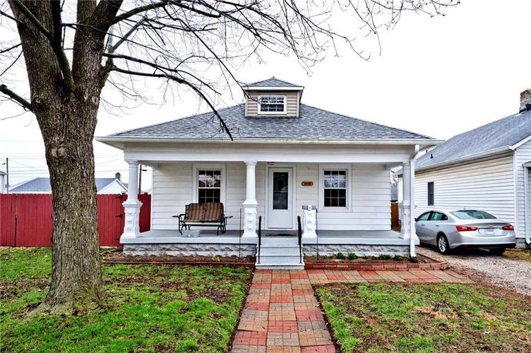 2709 S McClure Street Indianapolis IN 46241   MLS 21701007   photo 1