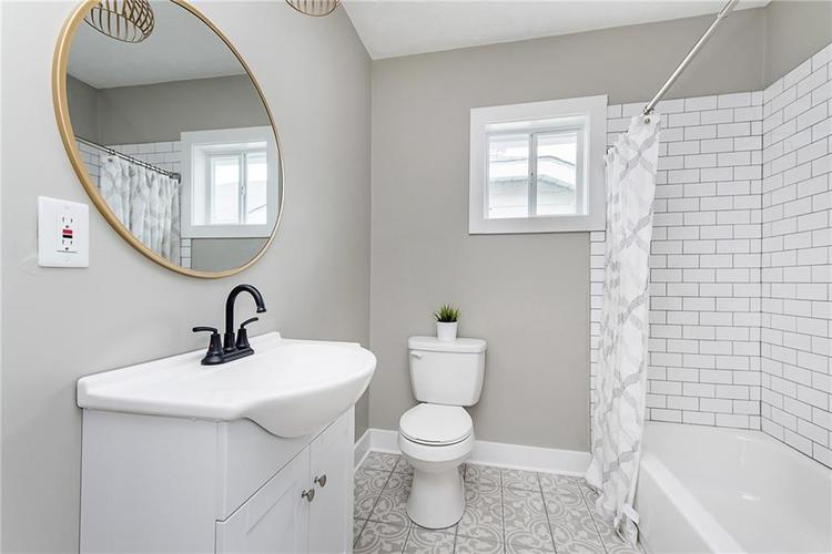 1218 E Southern Avenue Indianapolis, IN 46203 | MLS 21701142 | photo 24