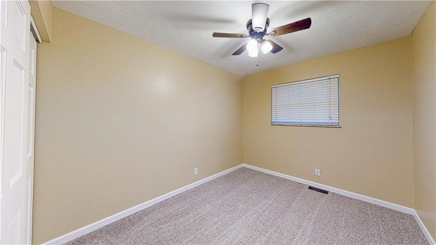 10735 Southeastern Avenue Indianapolis, IN 46239   MLS 21701270   photo 11