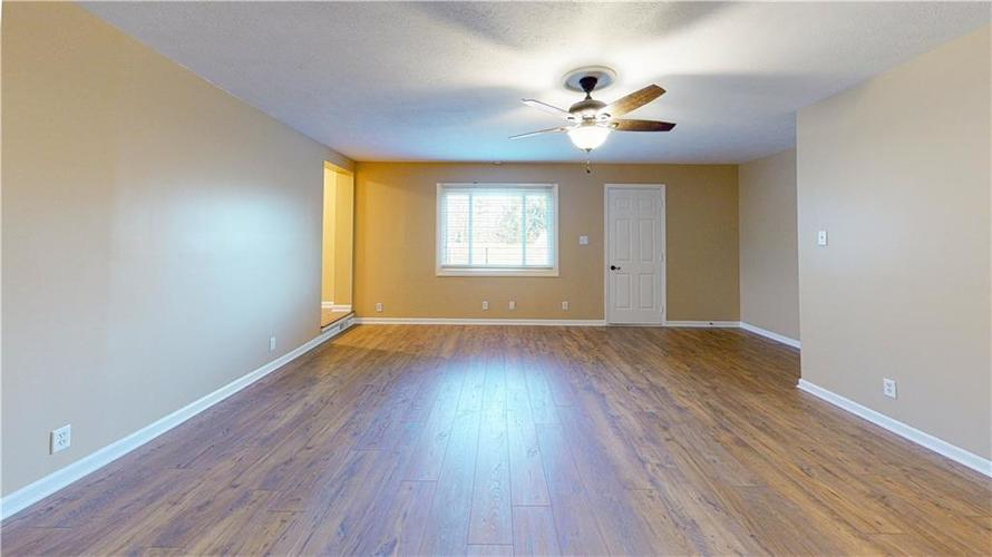 10735 Southeastern Avenue Indianapolis, IN 46239   MLS 21701270   photo 15