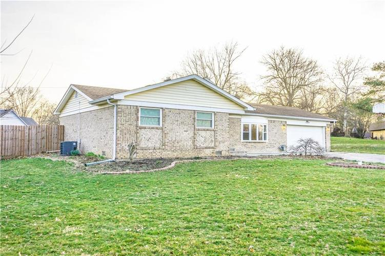 10735 Southeastern Avenue Indianapolis, IN 46239   MLS 21701270   photo 2