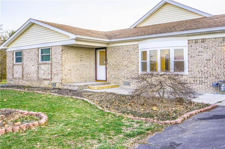 10735 Southeastern Avenue Indianapolis, IN 46239   MLS 21701270   photo 3