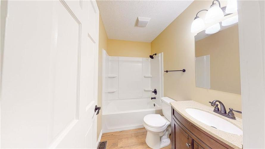 10735 Southeastern Avenue Indianapolis, IN 46239   MLS 21701270   photo 8