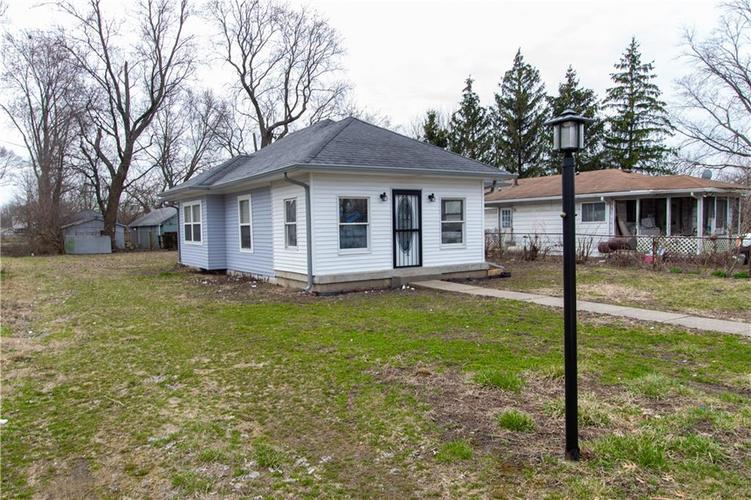 1629 Bacon Street Indianapolis IN 46237   MLS 21701341   photo 2