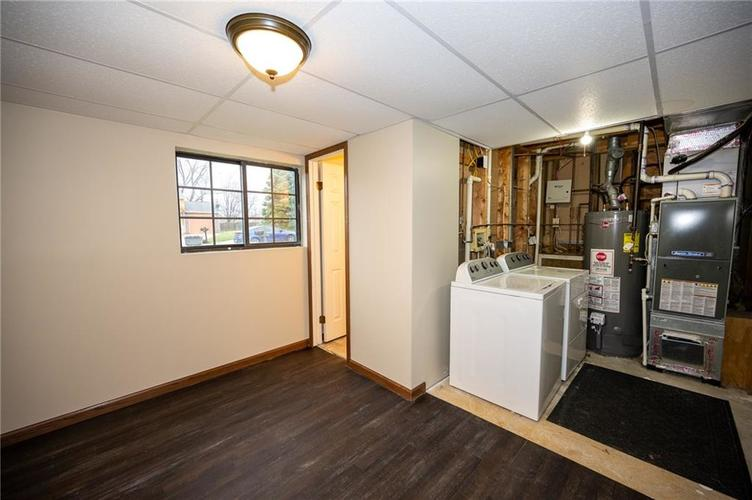 4050 W Luxembourg Circle Indianapolis IN 46228 | MLS 21701378 | photo 10