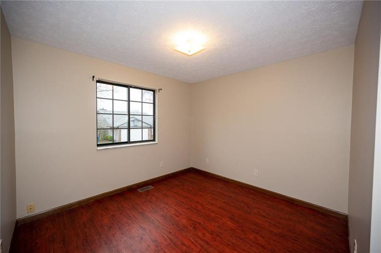 4050 W Luxembourg Circle Indianapolis IN 46228 | MLS 21701378 | photo 15