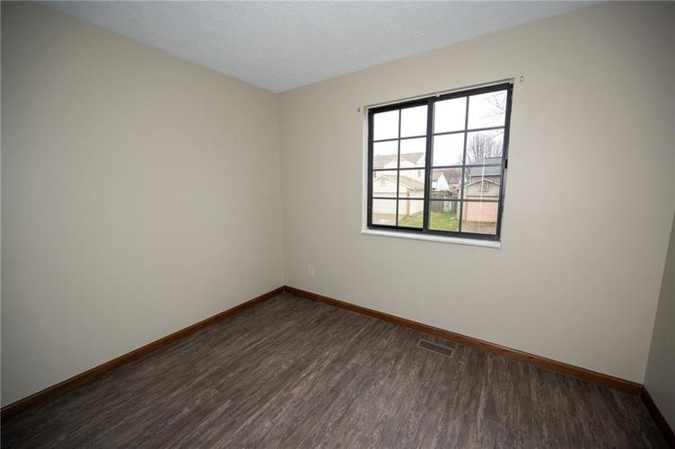 4050 W Luxembourg Circle Indianapolis IN 46228 | MLS 21701378 | photo 17