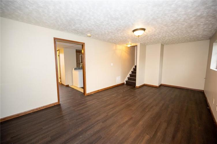 4050 W Luxembourg Circle Indianapolis IN 46228 | MLS 21701378 | photo 8