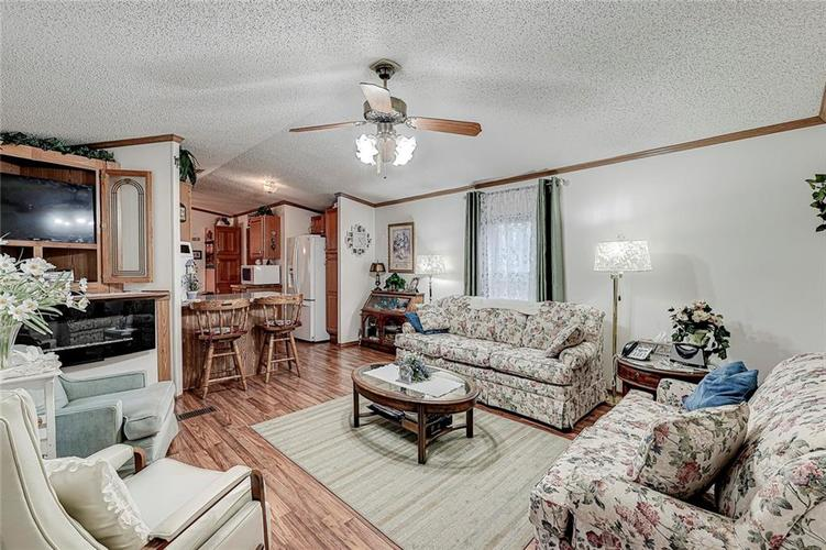 302 RIVERWOOD Drive Noblesville, IN 46062 | MLS 21701401 | photo 13