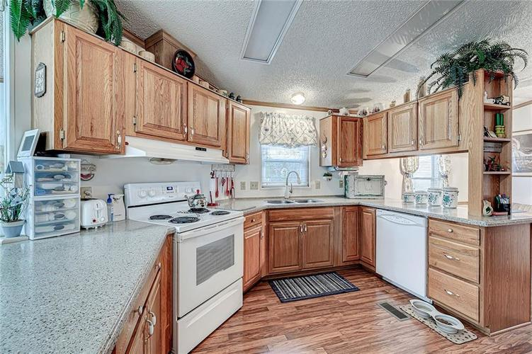 302 RIVERWOOD Drive Noblesville, IN 46062 | MLS 21701401 | photo 17