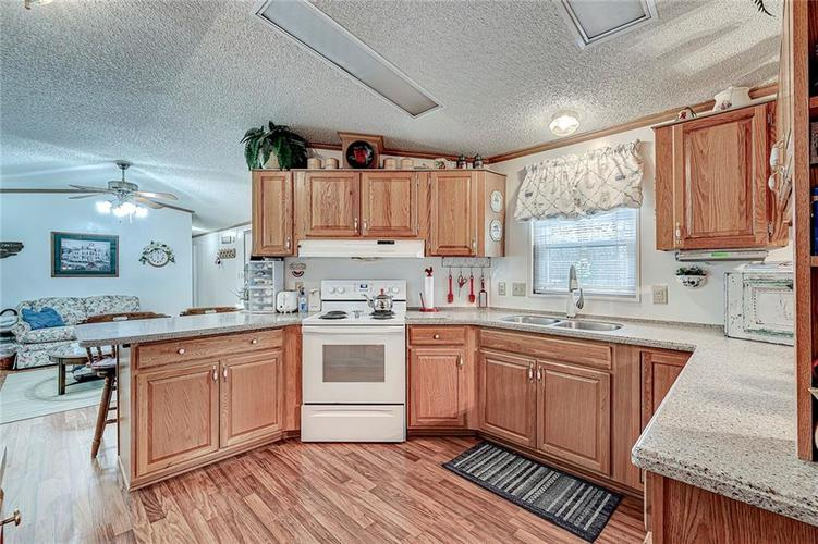 302 RIVERWOOD Drive Noblesville, IN 46062 | MLS 21701401 | photo 18