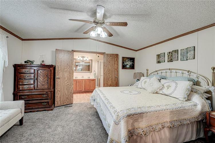302 RIVERWOOD Drive Noblesville, IN 46062 | MLS 21701401 | photo 22