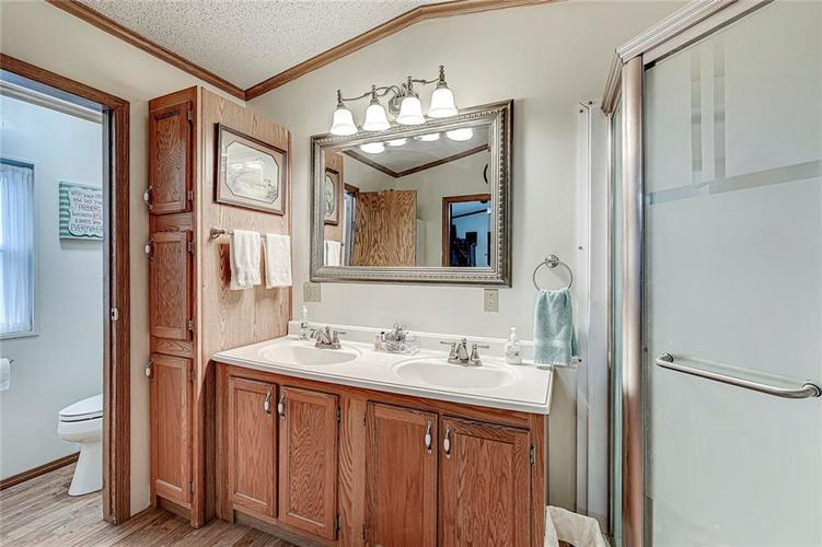 302 RIVERWOOD Drive Noblesville, IN 46062 | MLS 21701401 | photo 25