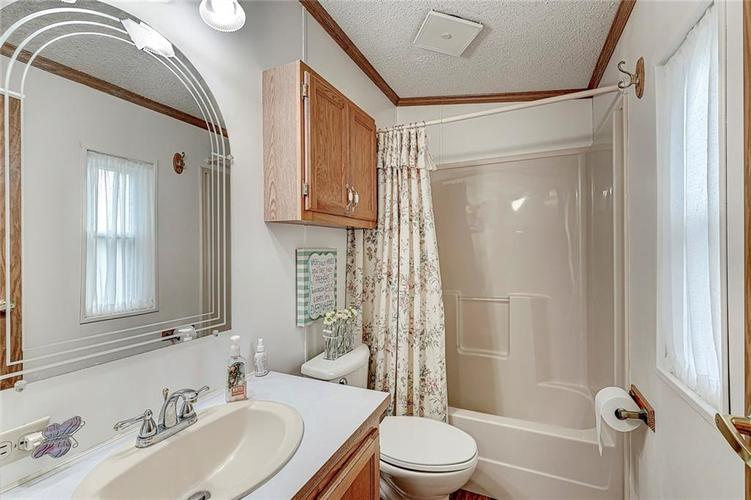 302 RIVERWOOD Drive Noblesville, IN 46062 | MLS 21701401 | photo 28