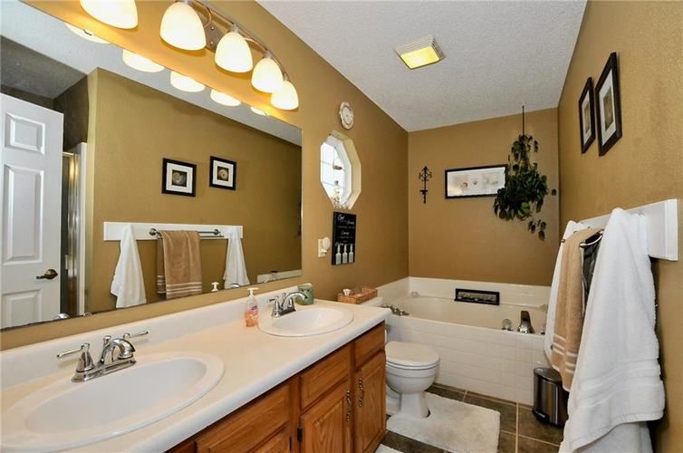 10540 Cress Court Noblesville, IN 46060 | MLS 21701430 | photo 15