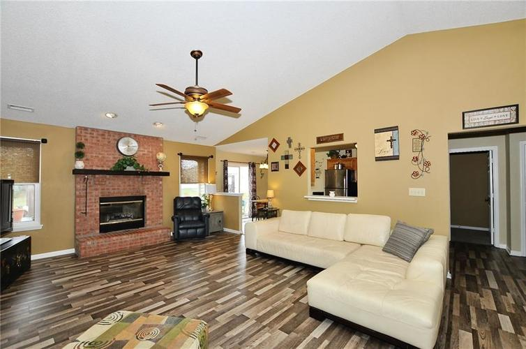 10540 Cress Court Noblesville, IN 46060 | MLS 21701430 | photo 3