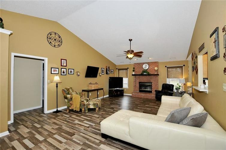 10540 Cress Court Noblesville, IN 46060 | MLS 21701430 | photo 4