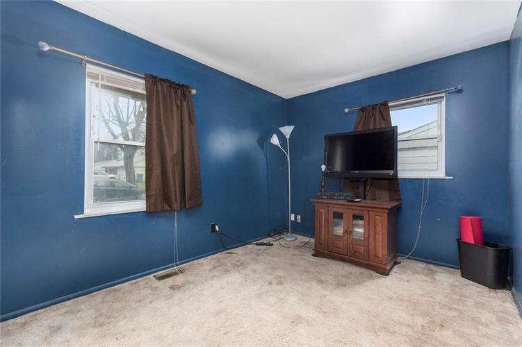 5708 W 41ST Place Indianapolis, IN 46254   MLS 21701445   photo 12