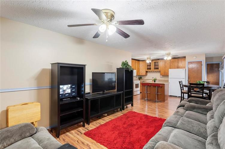5708 W 41ST Place Indianapolis, IN 46254   MLS 21701445   photo 9