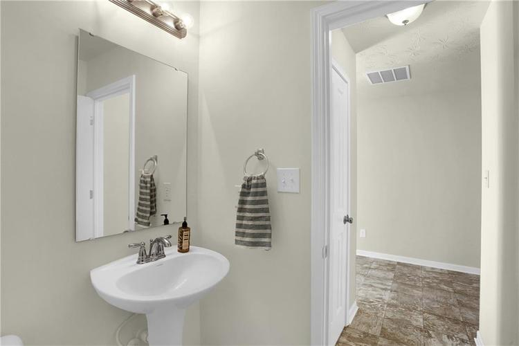 12921 N Collett Way Camby, IN 46113 | MLS 21701497 | photo 11