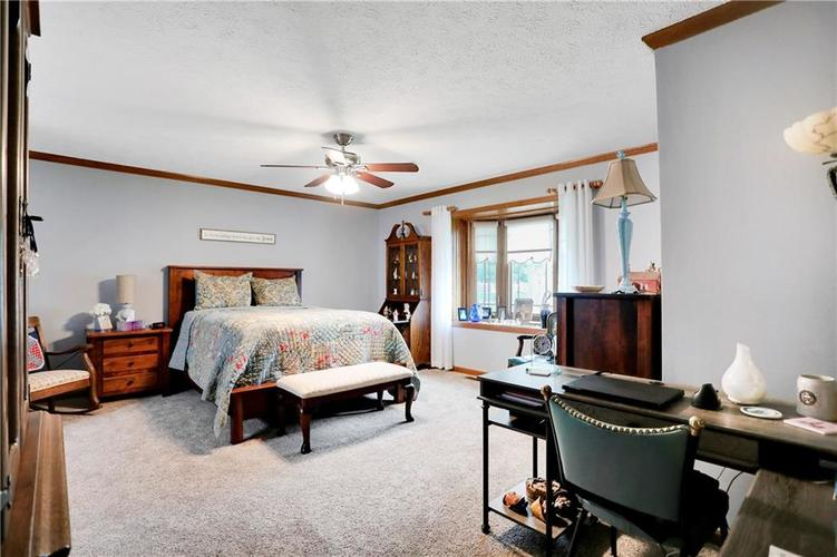 8610 SPEND A BUCK Drive Indianapolis, IN 46217 | MLS 21701560 | photo 11