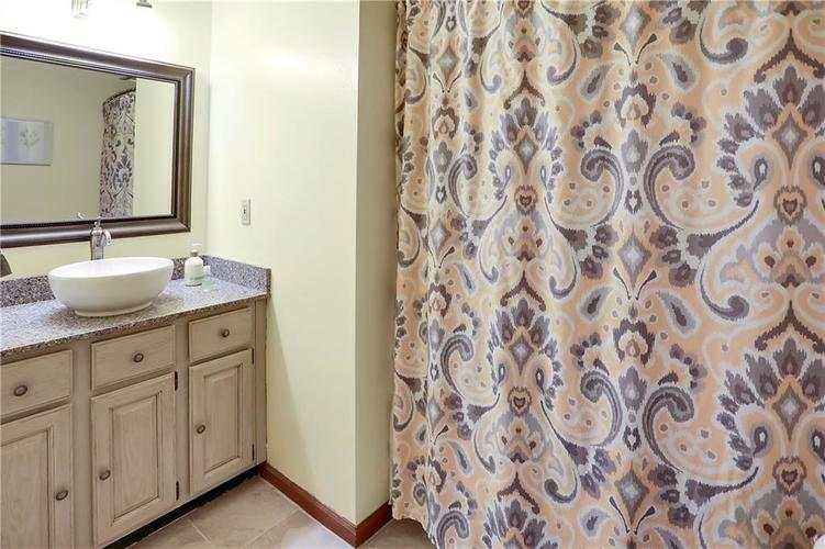 8610 SPEND A BUCK Drive Indianapolis, IN 46217 | MLS 21701560 | photo 17