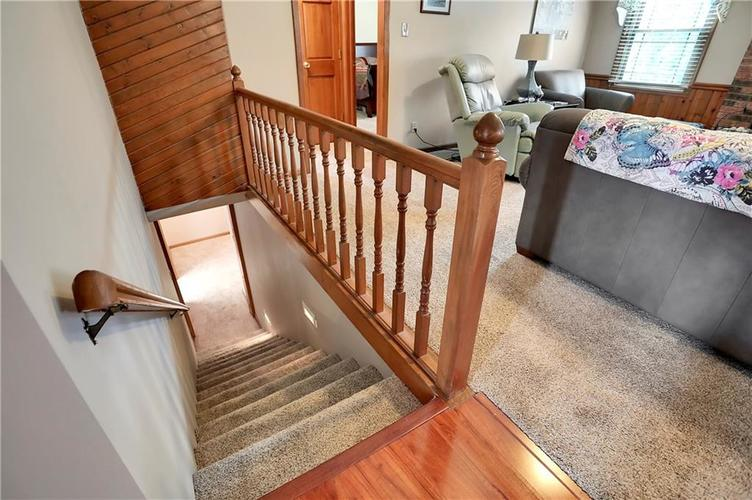 8610 SPEND A BUCK Drive Indianapolis, IN 46217 | MLS 21701560 | photo 20
