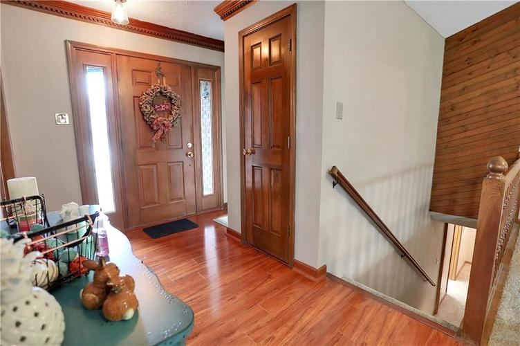 8610 SPEND A BUCK Drive Indianapolis, IN 46217 | MLS 21701560 | photo 3