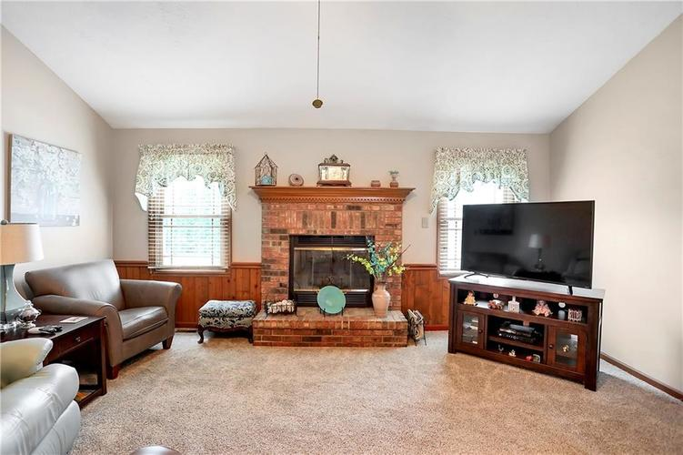 8610 SPEND A BUCK Drive Indianapolis, IN 46217 | MLS 21701560 | photo 5