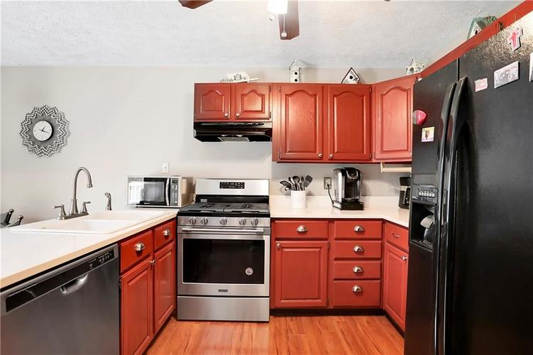 8610 SPEND A BUCK Drive Indianapolis, IN 46217 | MLS 21701560 | photo 8