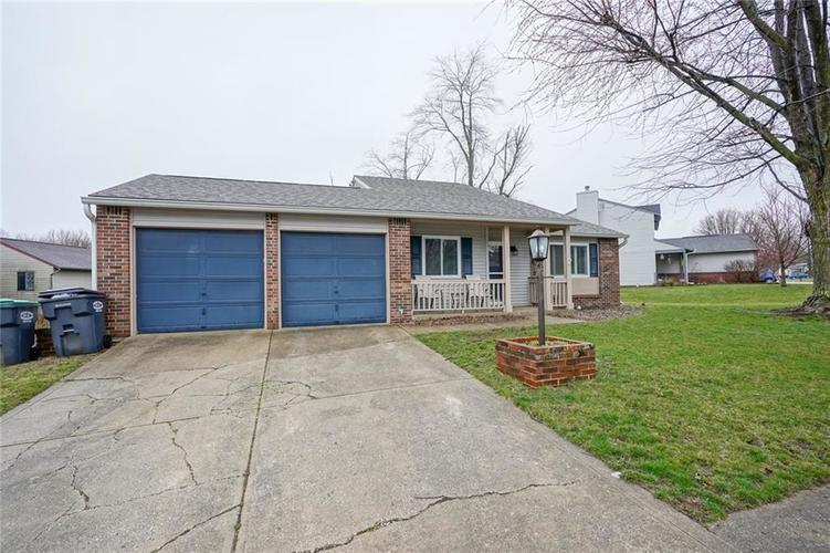 1511 Timber Village Drive Greenwood, IN 46142 | MLS 21701689 | photo 2