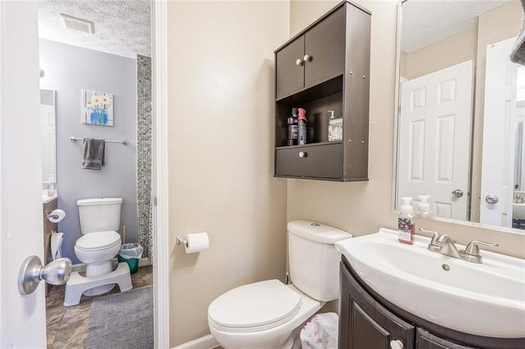1511 Timber Village Drive Greenwood, IN 46142 | MLS 21701689 | photo 20