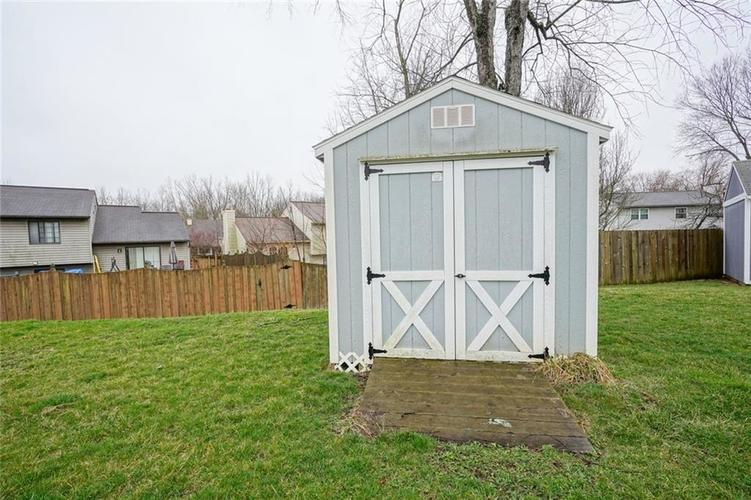 1511 Timber Village Drive Greenwood, IN 46142 | MLS 21701689 | photo 22