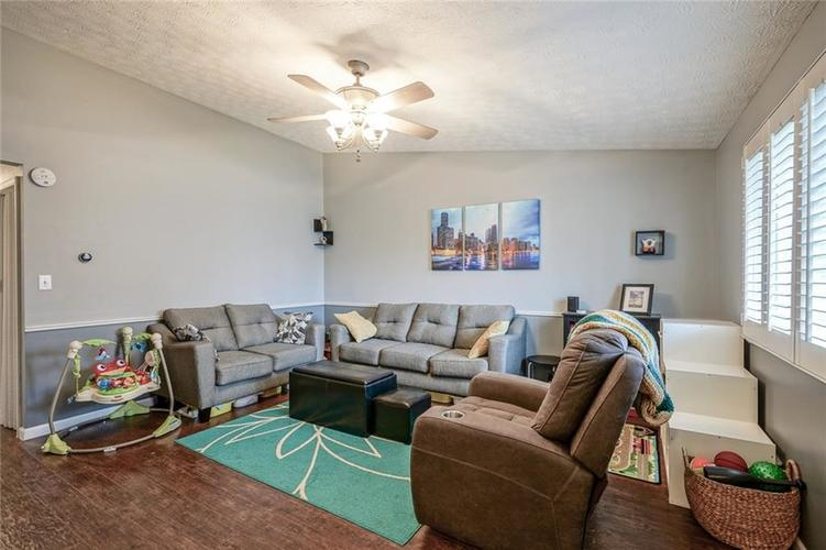 1511 Timber Village Drive Greenwood, IN 46142 | MLS 21701689 | photo 5