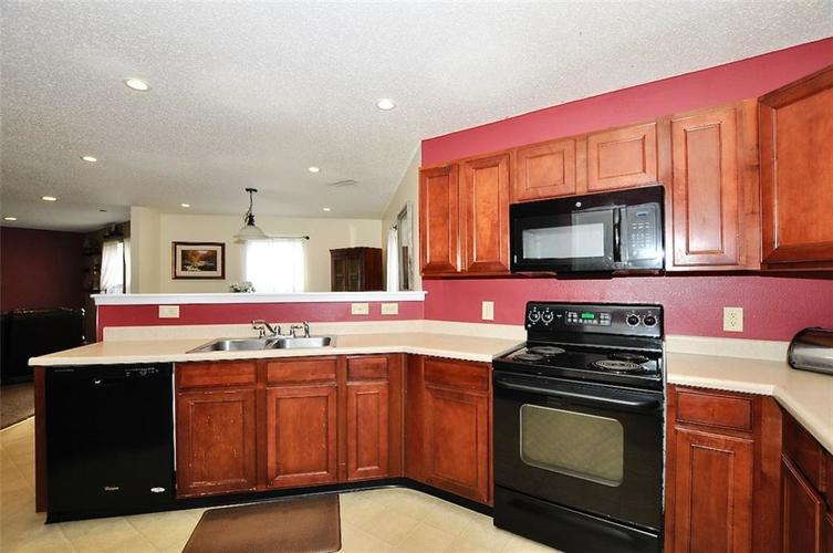 9965 BIG BEND Drive Indianapolis, IN 46234 | MLS 21701802 | photo 11