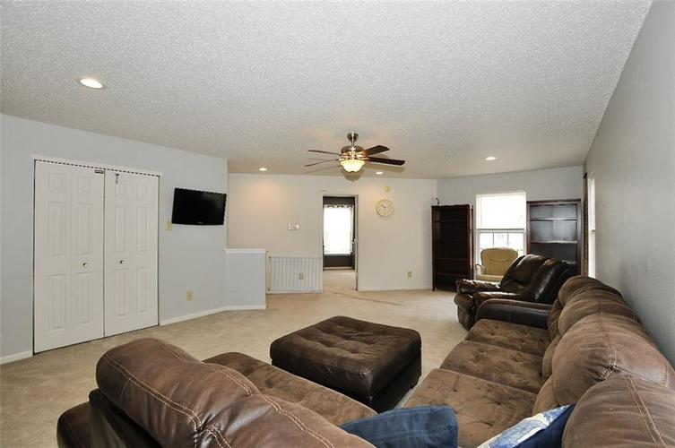 9965 BIG BEND Drive Indianapolis, IN 46234 | MLS 21701802 | photo 15