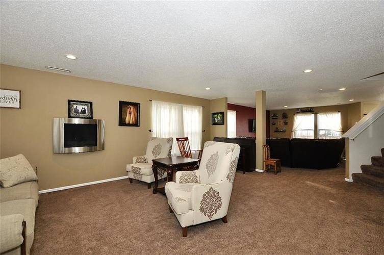 9965 BIG BEND Drive Indianapolis, IN 46234 | MLS 21701802 | photo 2